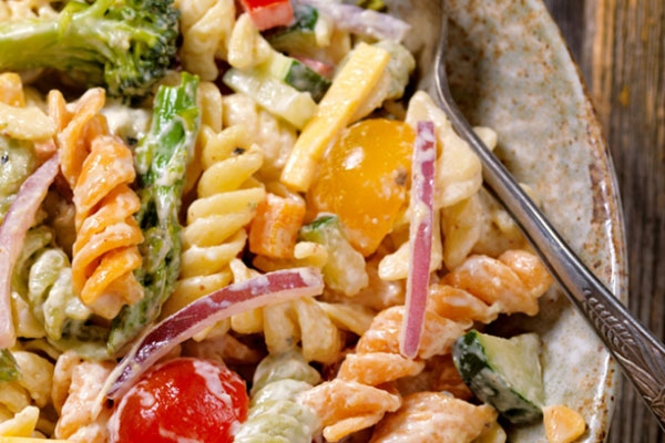 How to make pasta and chicken salad